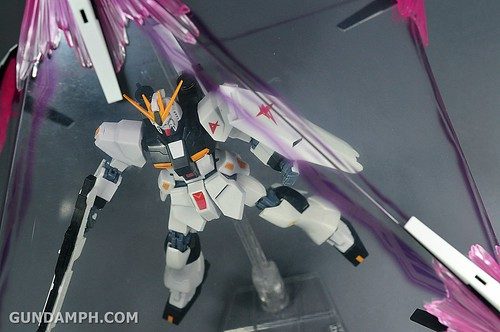 Robot Damashii Nu Gundam & Full Extension Set Review (92)