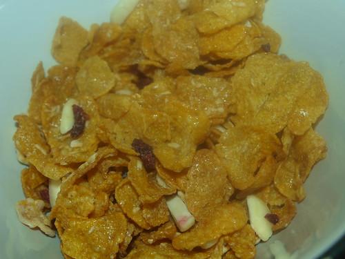 Crunchy Nut Yoghurt, Cranberry & Almond
