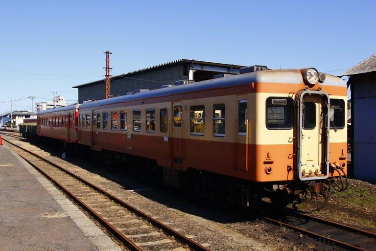 連結したキハ2005+キハ205