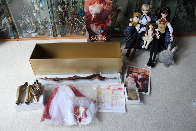 Stuff inside Saber Alter's Box