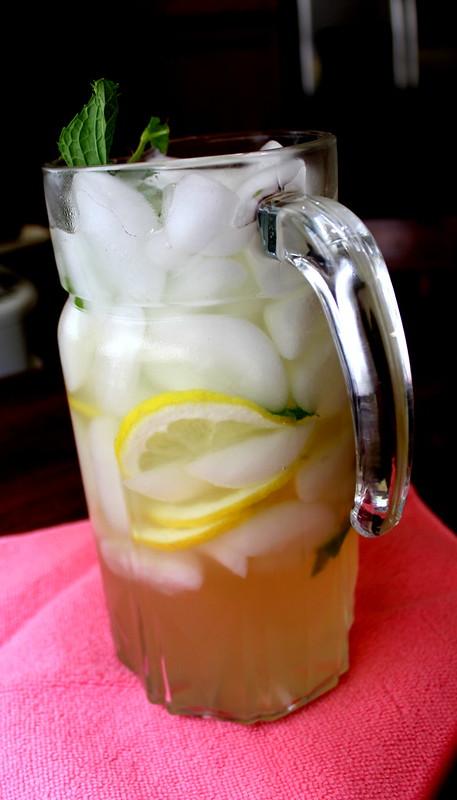 basil and ginger lemonade