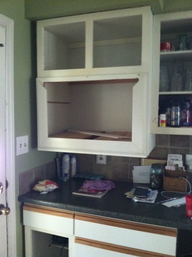 kitchen before w/microwave