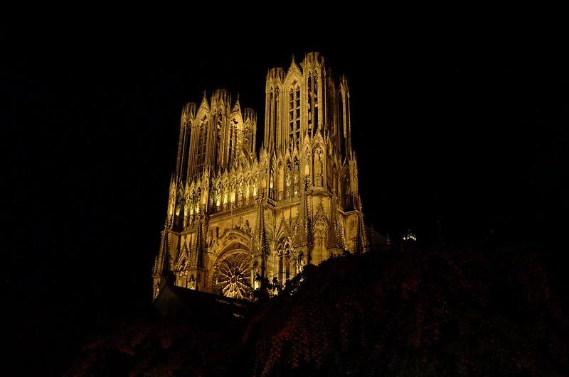 La cathédrale s'achève dans les flammes...