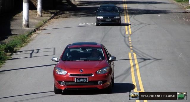 Renault Fluence GT vs Peugeot 405 T16