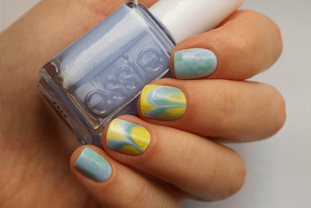 08-water-marble-nails-essie-bikini-so-teeny-morgan-taylor-water-baby