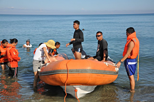 Search and Rescue Rubber Boat Operation Class 07- 2013 (10)