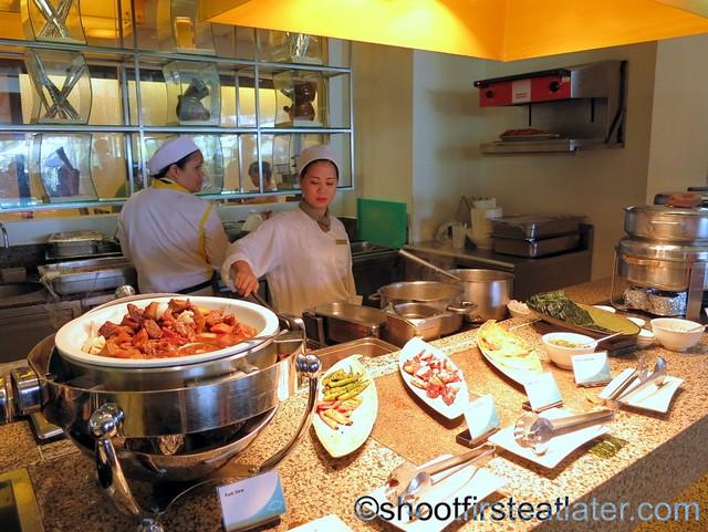 Shangri-La Mactan breakfast buffet at Tides-014