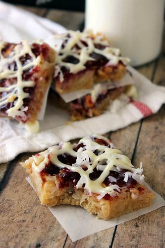 Peanut Butter Amp Jelly Mini Shortbread Cookie Sandwiches