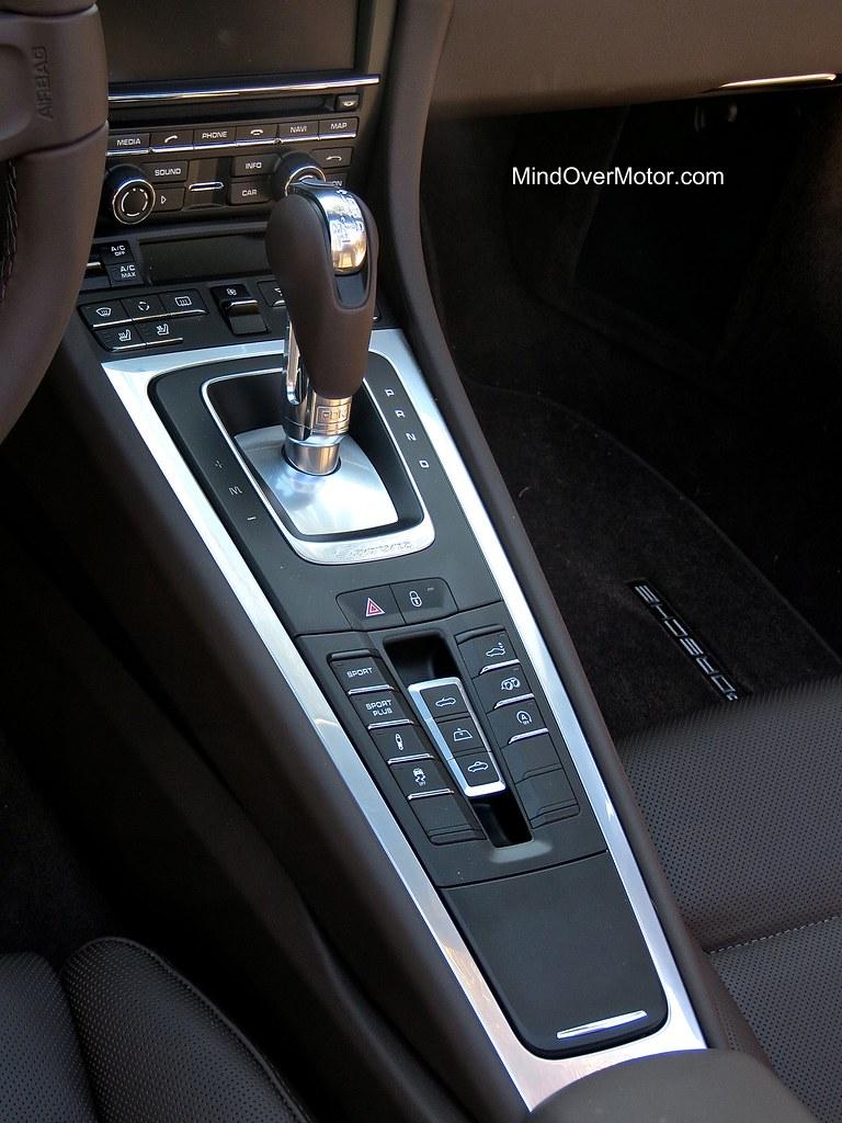 2014 Porsche 991 Carrera 4S Cabriolet center console