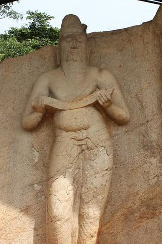 20130113_6802-Polonnaruwa-male-statue_Vga