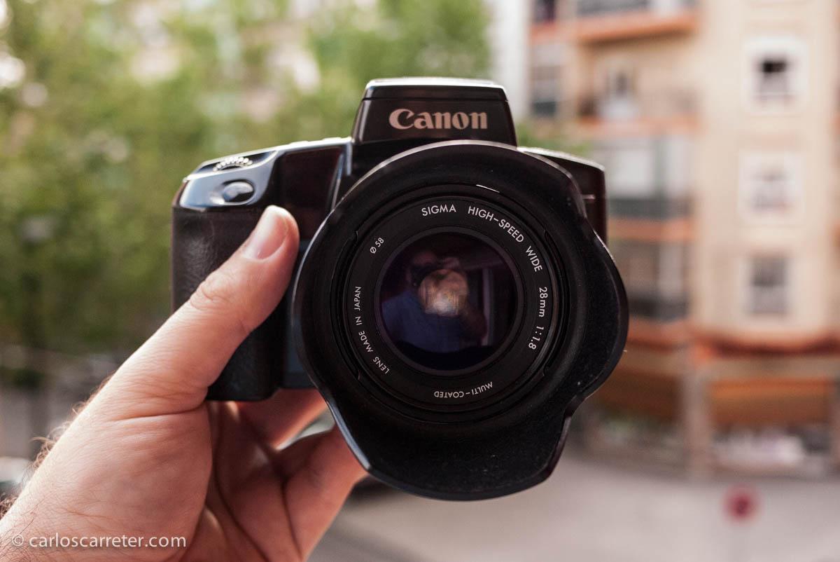 Canon EOS 100 con Sigma 28/1,8
