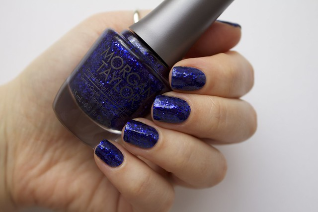 09 Morgan Taylor Regal As A Royal wit topcoat