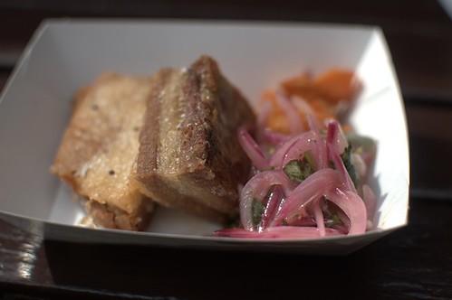 Pork chicharrón with no bun