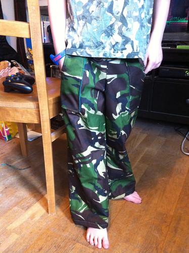 Military sandbox trousers