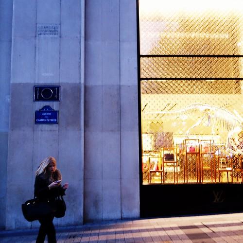 Sunset Boulevard ~ 101, Avenue des Champs Elysées ~  Paris ~ MjYj by MjYj