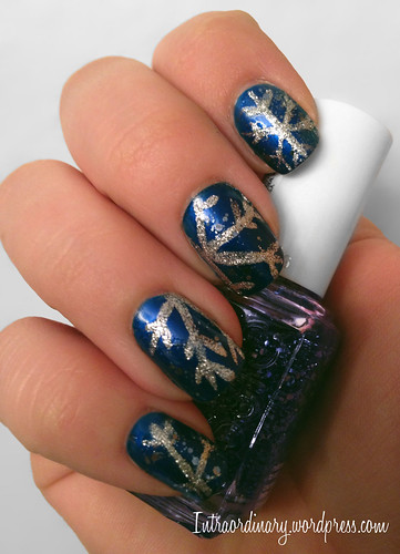 Snowflake Nails by intraordinary