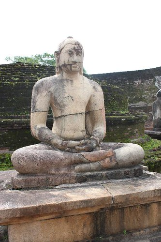20130113_6856-Vatadage-Buddha_Vga