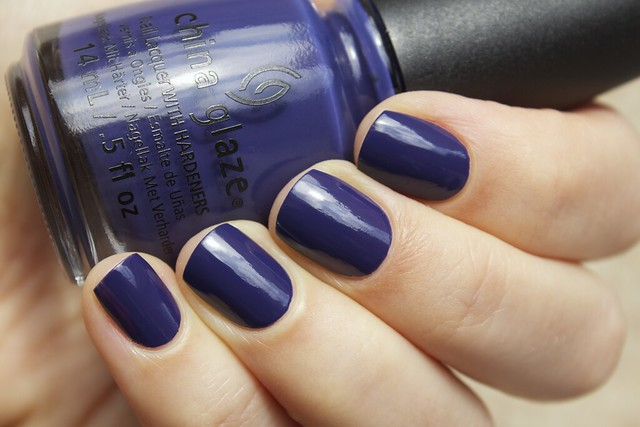 02 China Glaze Autumn Nights Queen B