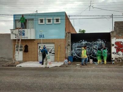 Retiran graffiti