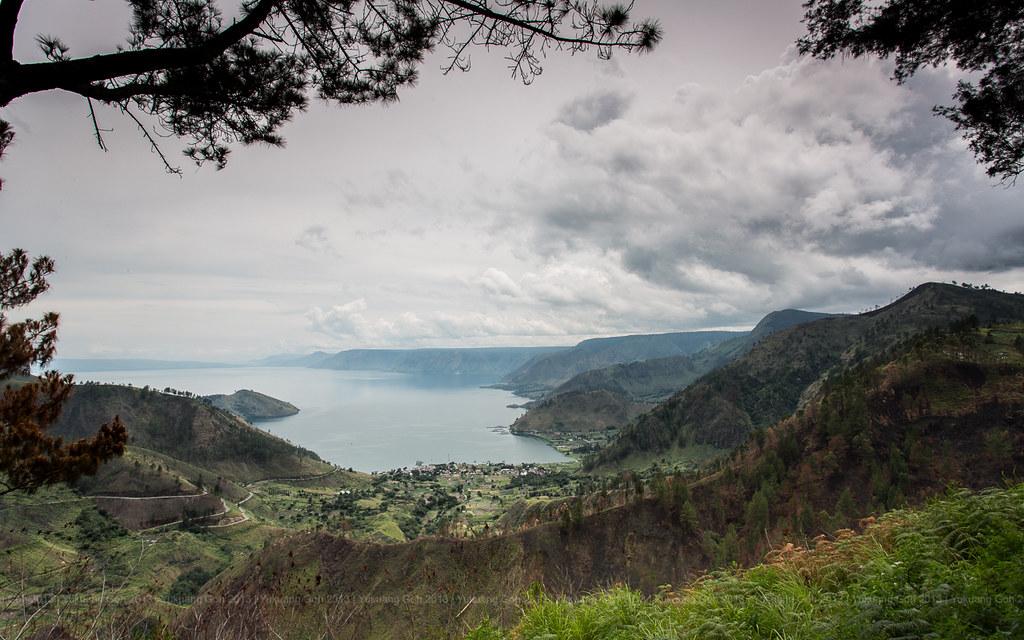 Tongging View (lake toba)