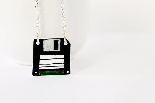 Collana Floppy disk verde 01