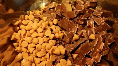 Salty Caramel Nut Squares 12