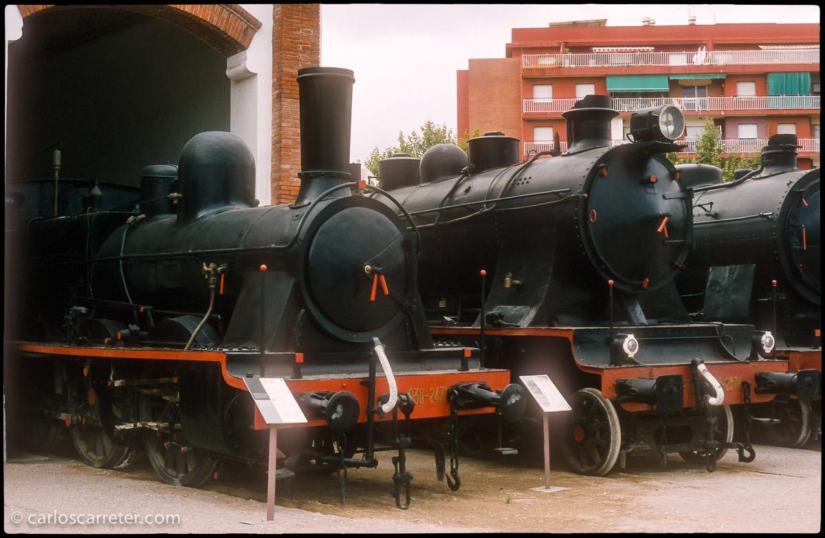 Varias locomotoras de vapor