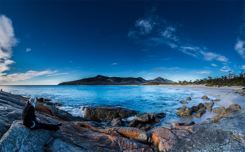 wineglass-bay-freycinet-national-park-tasmania