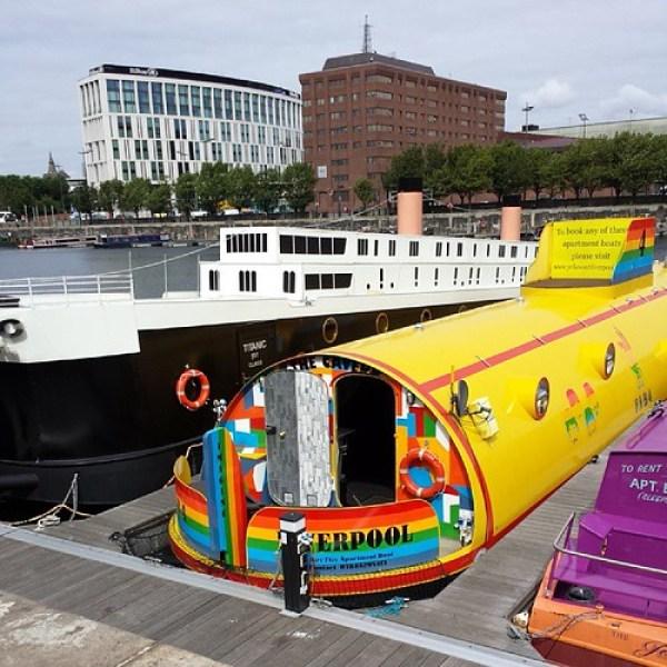 The #yellowsubmarine next to the #titanic. #albertdock