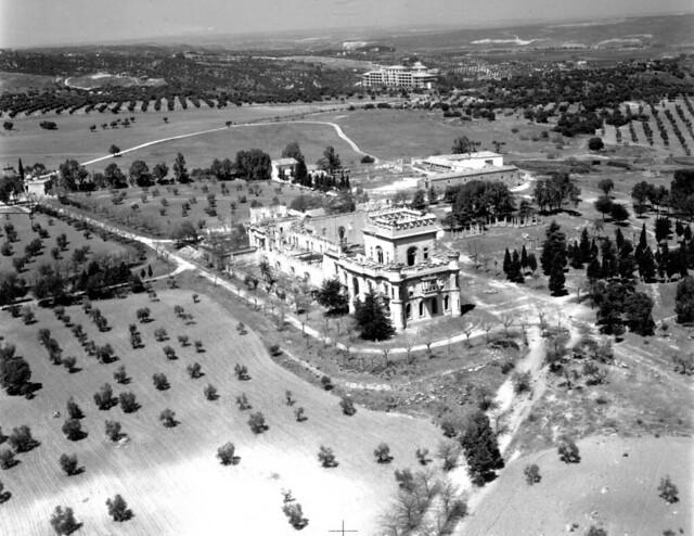 Palacio de la Sisla en 1975 antes de ser demolido. Colección de José Luis Isabel