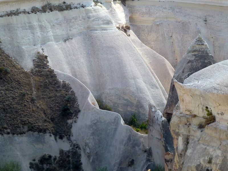 Turquie - jour 21 - Vallées de Cappadoce  - 102 - Çavuşin, Kızıl Çukur (vallée rouge)