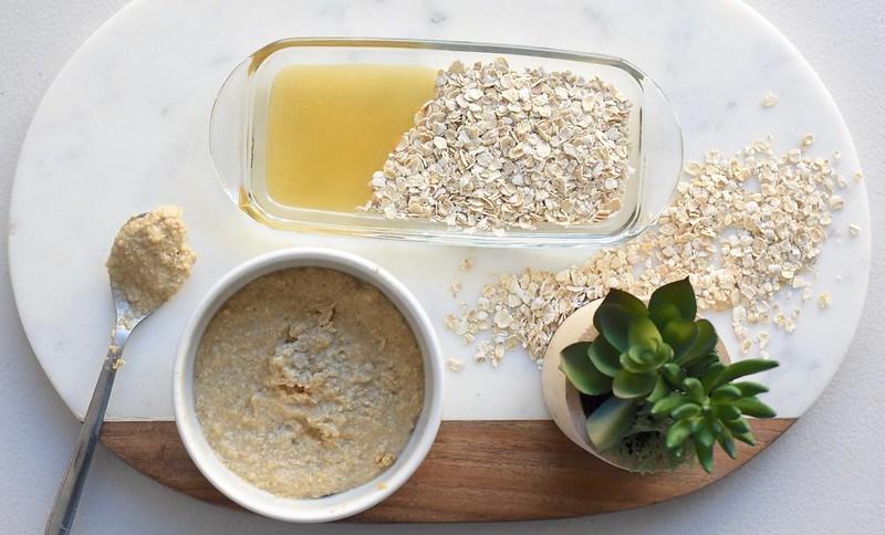 DIY Oatmeal + Honey Scrub