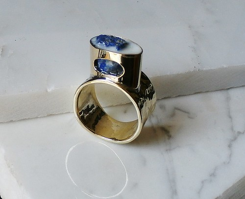 ring brass, raw lapis lazuli, epoxy, pigment, glow in the dark powder pure blue  size 8 by Wolfgang Schweizer