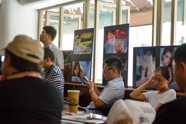【相片】話說恆昶也介紹了富士的相紙,話說真的非常鮮豔亮麗,跟相機比起來,這個更吸引我了。