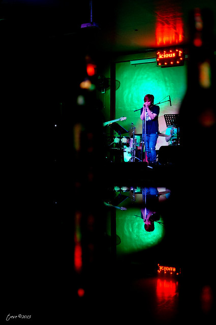 Band vocalist in Marilao Kaps bar