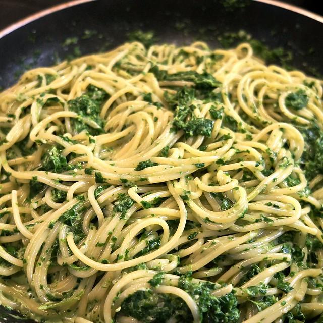 Макароны со шпинатом