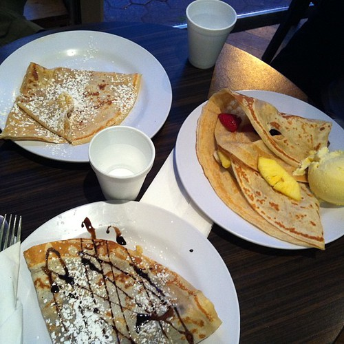 Last night at Crepe it Up, (Church & Wellesley). #nutelle#crepe#dessert#toronto#food#yum (w @watercoloursky & @babybubblz)
