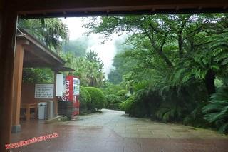 P1060594 Baño hiviente de pies en el Infierno Umi Jigoku (Beppu) 13-07-2010