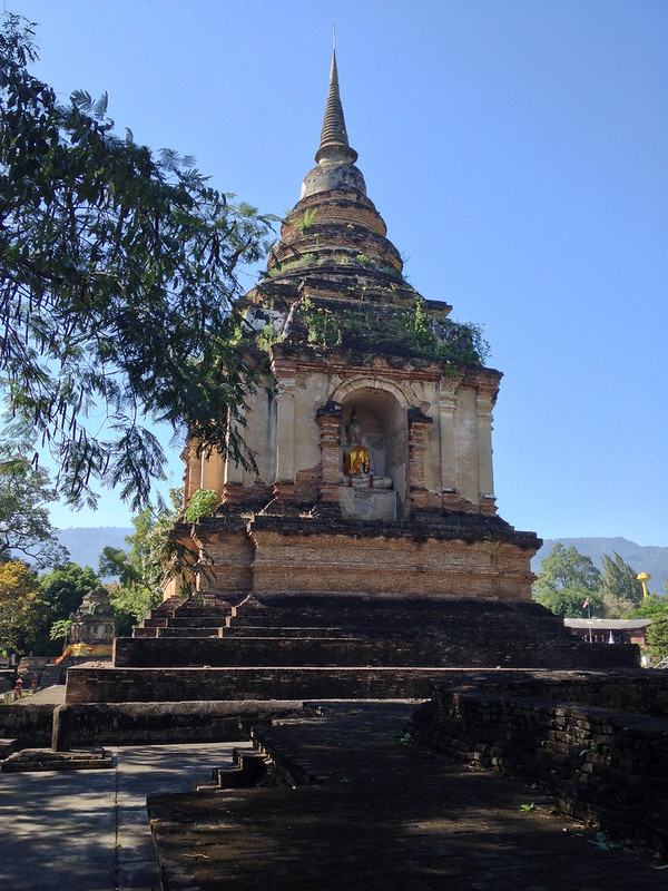 King Tilokarat is buried in this chedi. He ordered the construction of Wat Chet Yot