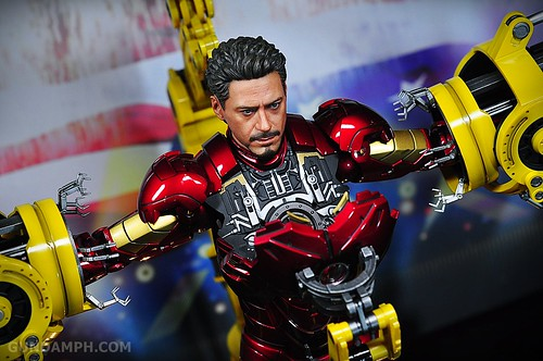 Hot Toys Iron Man 2 - Suit-Up Gantry with Mk IV Review MMS160 Unboxing - day3 (55)