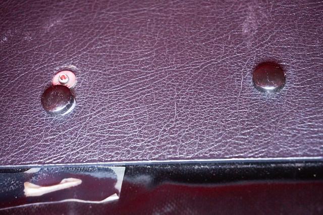 Crosso panniers: Missing rivet cap