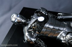 Hot Toys Iron Man 2 - Mk II Armor Unleashed Ver. Review MMS150 Unboxing (34)