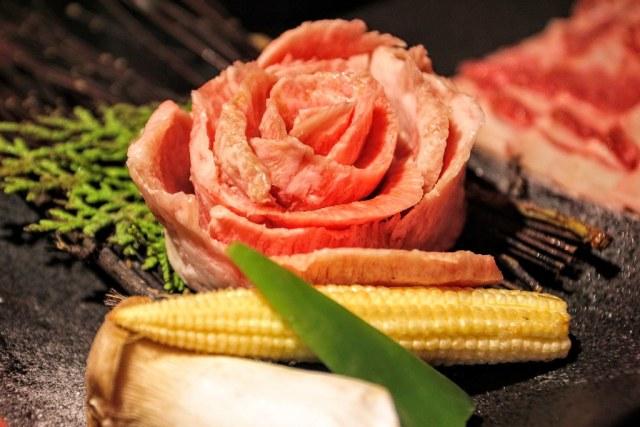 肉片做成花朵啊