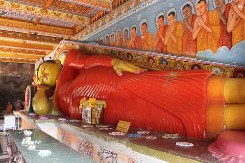 20130114_6991-Anadahapura-recling-Buddha_Vga