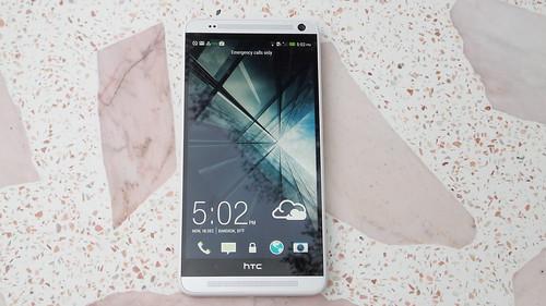 HTC One Max ด้านหน้า