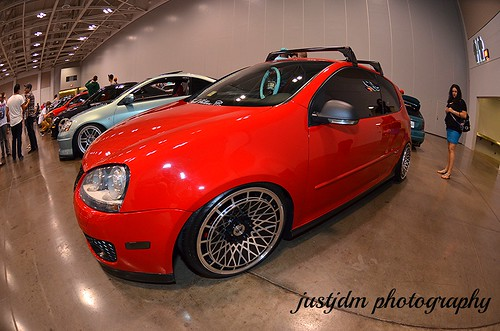 red slammed vw golf (3)