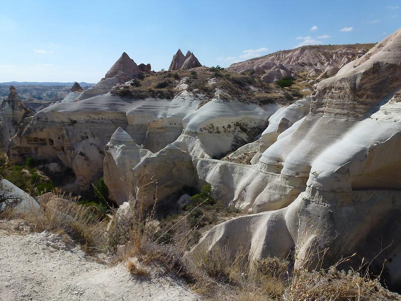 Turquie - jour 21 - Vallées de Cappadoce  - 118 - Çavuşin, Kızıl Çukur (vallée rouge)