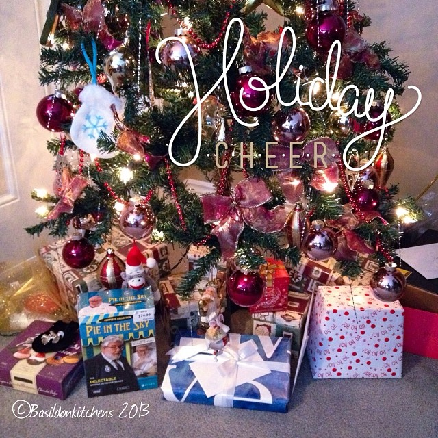 Dec 21 - giving & receiving {lots if gifts already under the tree; some received, most for giving} #photoaday #tree #christmas #holidays #presents #gifts