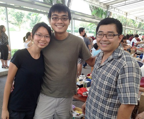 Wendy Sim and Quek Kiah Shen with Lim Chen Kee at the Assisi Hospice Charity Fun Day 2013!