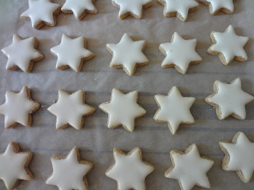 baked: Zimtsterne by the james kitchen